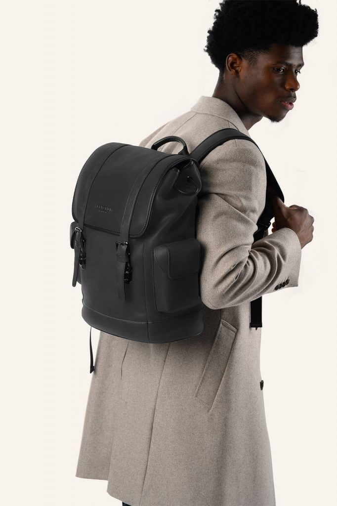 illicium leather backpack model